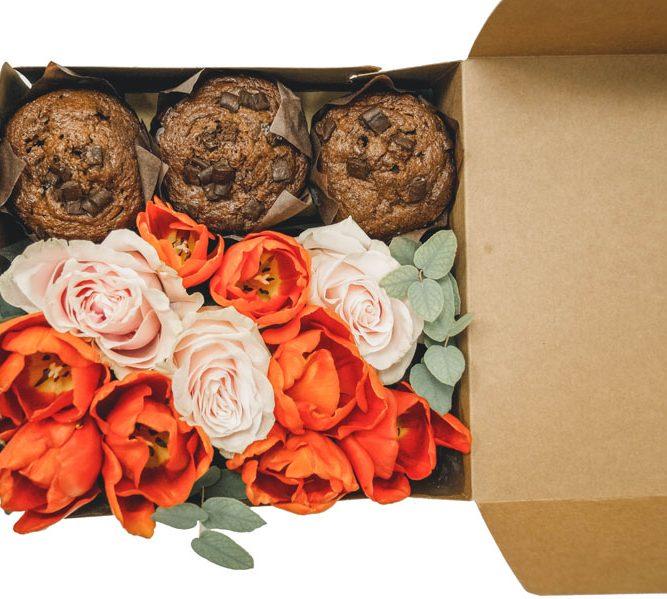 scatola piccola 3 MUFFIN e fiori misti (2)